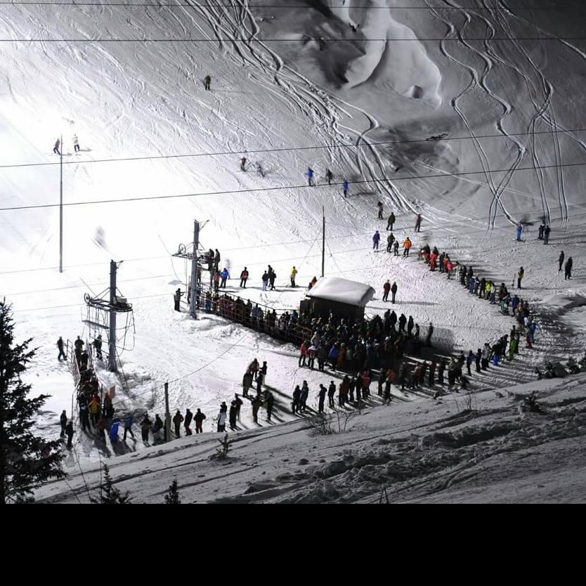 Повелете да уживаме во ноќното скијање на Попова Шапка – Цената е 500 денари.