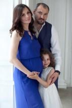 Беременная фотосессия с семьей