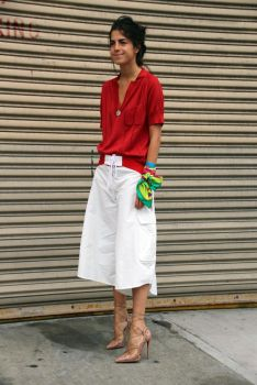 leandra medine man repeller 1