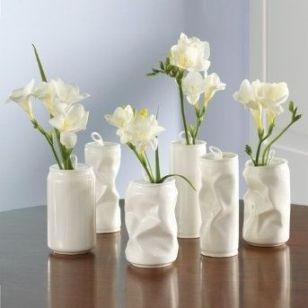vaze din cutii de aluminiu