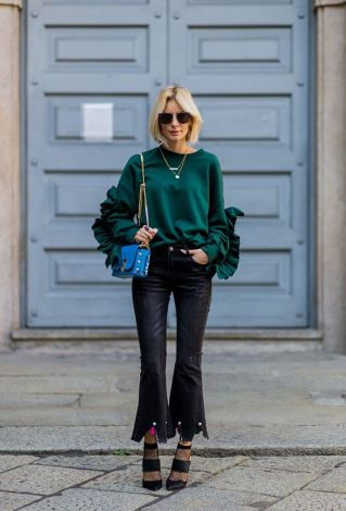 bluza-verde-cu-volane