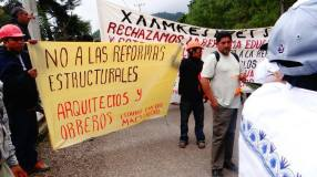 March by the communities of the Ayuujk people, June 22, 2016 // Marcha de las comunidades del pueblo Ayuujk, 22 de Junio del 2016. (Radio Jenpoj)