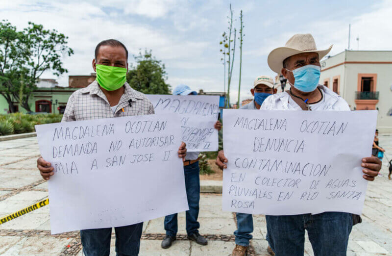 Traditional authorities of Magdalena Ocotlán publicly denounce possible contamination by the Cuzcatlán Mining Company.