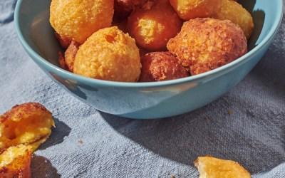 Tirokroketes (Fried Cheese Balls)