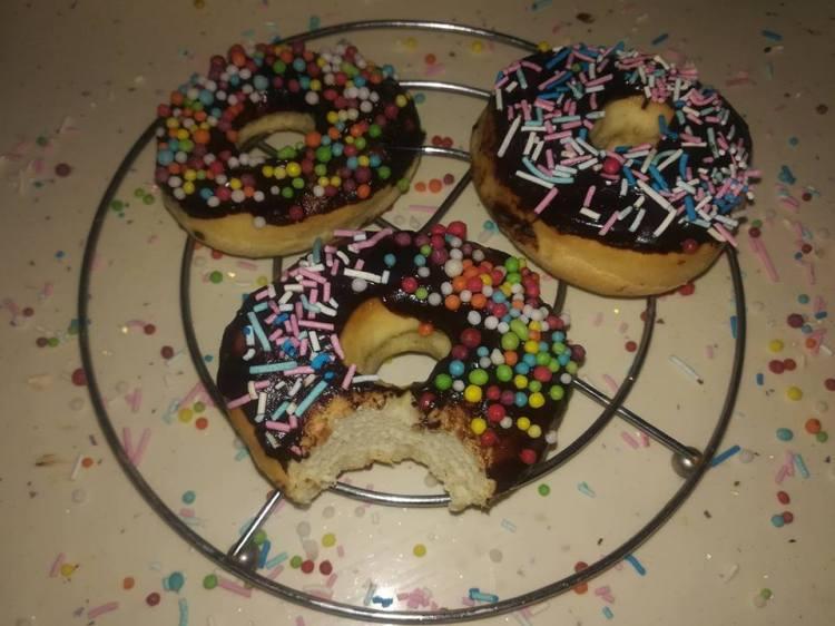 gogosi cu glazura donuts