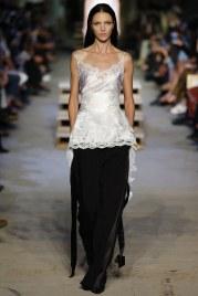 Givenchy SS 16 - Photo: Monica Feudi / Indigitalimages.com - vogue.com