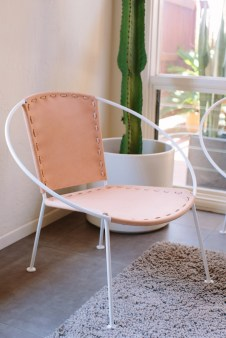 MEMORY OF A CIRCLE CHAIR // WHITE + NUDE LEATHER - modernhausdesign.com