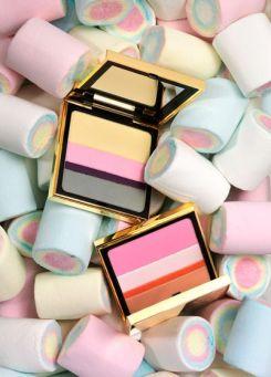 Pastels. Sweets. Make up. Clever use for sweets, perhaps not versatile enough for varied photoshoot - soderbergagentur.com Visiter