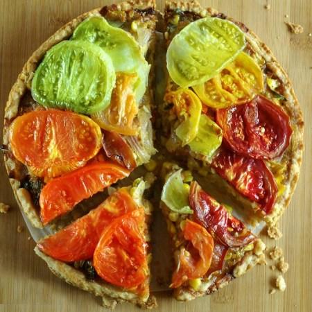 Heirloom Tomato pie, a crisp vegetarian pie