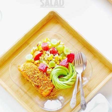 Corn pluot grapes salad 1
