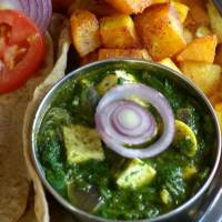 Palak Paneer / Cottage Cheese in Spinach gravy