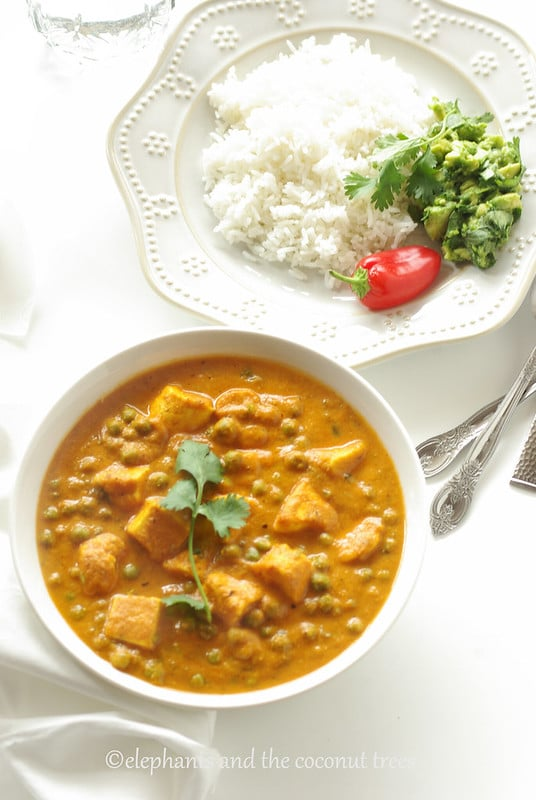 Indian cottage cheese n peas curry,matar paneer,Vegetable curry recipes