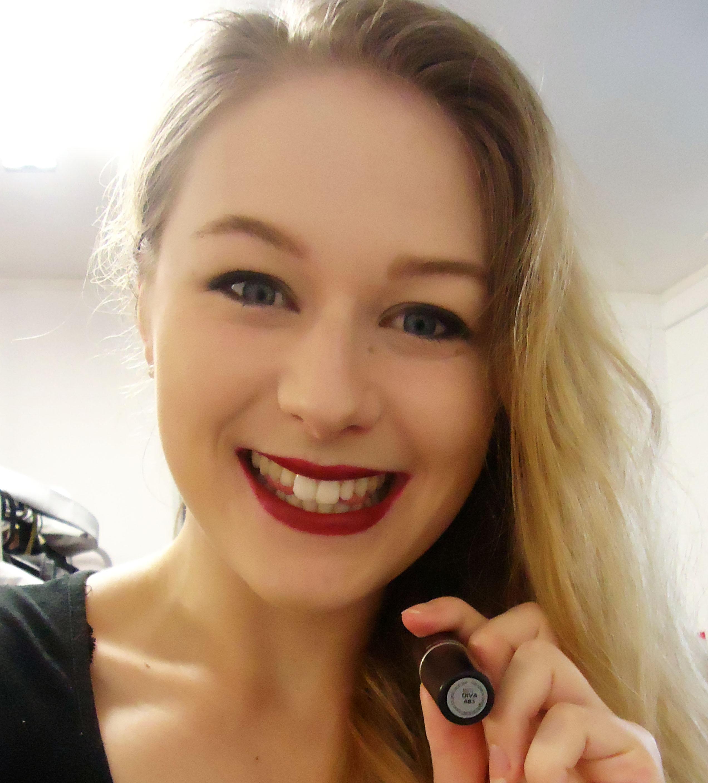 Popular mac lipstick swatches haul elese dowden - Mac diva lipstick price ...