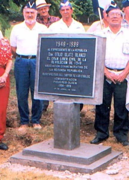 Placa en la Hacienda La Vieja que fue propiedad de Otilio Ulate