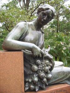 Estatua León Cortés