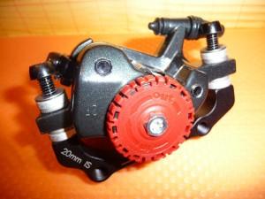2222 Installazione freni a disco meccanici 06