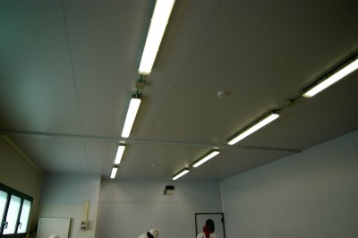 Illuminazione con plafoniere stagne