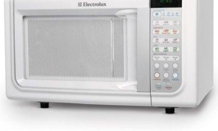 Como descongelar alimentos com microondas Electrolux 23L – MEF33