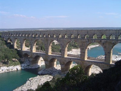 Utazás lakóautóval Avignon - Pont du gard, 3 emelet
