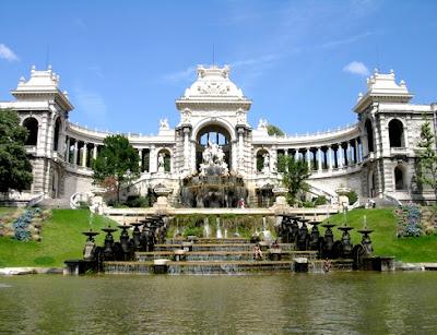 utazás lakóautóval Marseille - Palais Longchamps