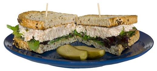 Tapas receptek - tonhalas uborkás szendvics