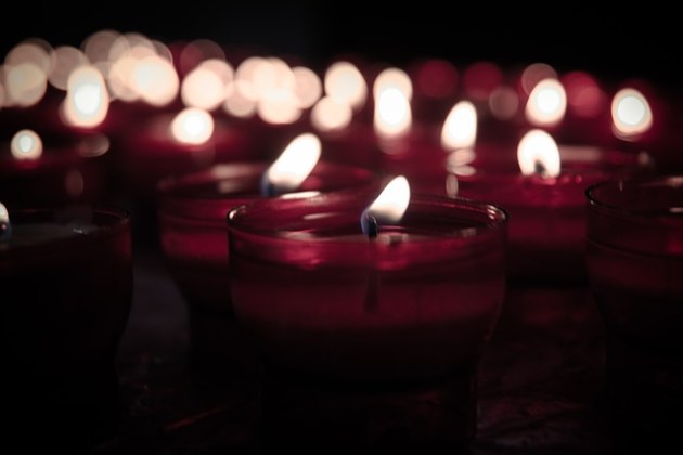 candles-925141_640