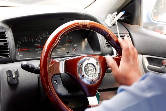 steering-wheel-1128385_640
