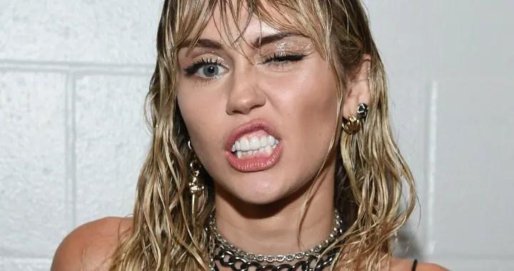 Miley Cyrus actuará en importante evento previo al Super Bowl 🏈🎶