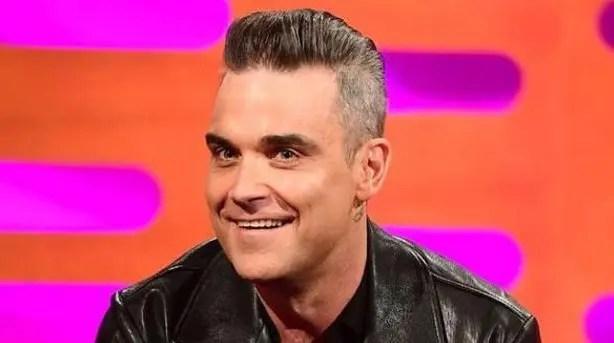 «Soy numéricamente disléxico»: Robbie Williams se tatuará fechas importantes para no olvidarlas 🤭😅