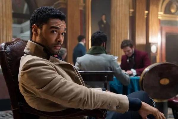 El protagonista de «Bridgerton» suena como candidato para ser el nuevo James Bond