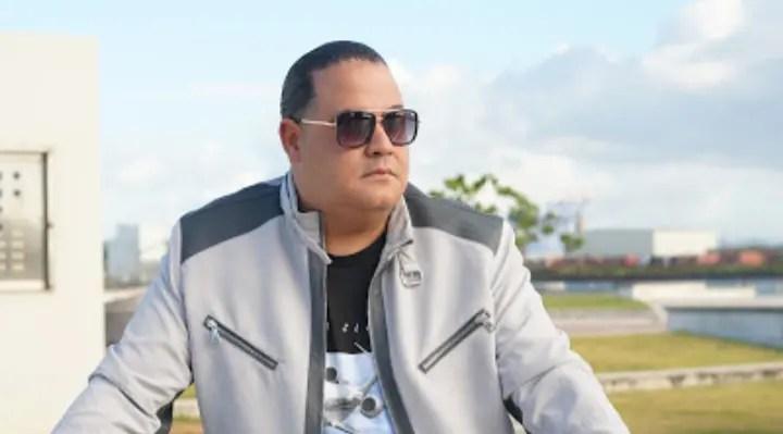 Imponiendo el romanticismo: Raphy Palacio estrenó «Déjate besar» 😘🎶