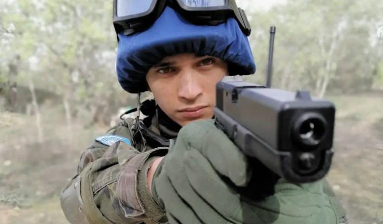 El venezolano Alex Castillo brilla en la televisión española con «Fuerzas de Paz»