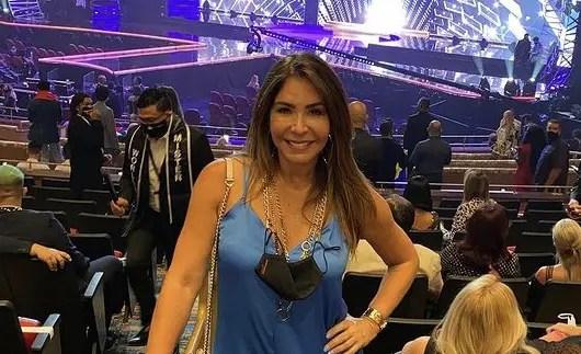 """""""Se fue en dormilona"""": critican a Viviana Gibelli por su vestido en el Miss Universo"""