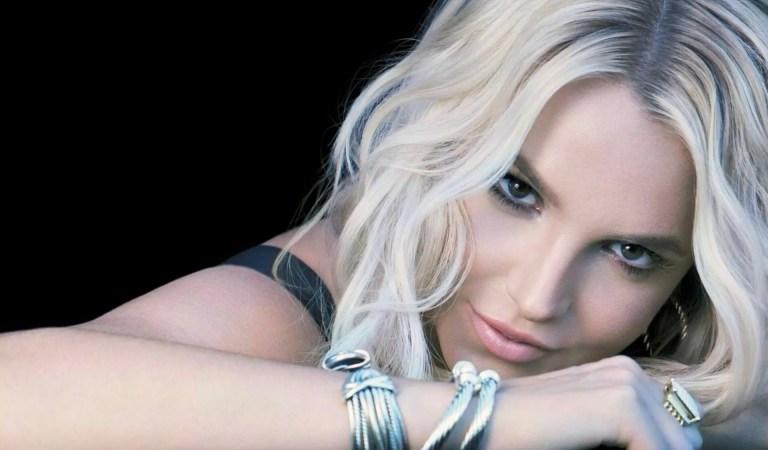 Britney Spears celebró su liberación con #FreeTheNipple