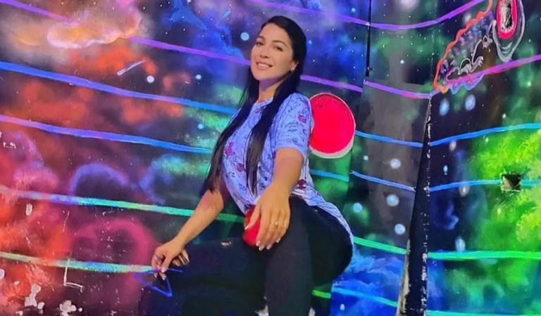 Pistola en mano: Difunden video de la nueva novia de Chyno Miranda usando el arma