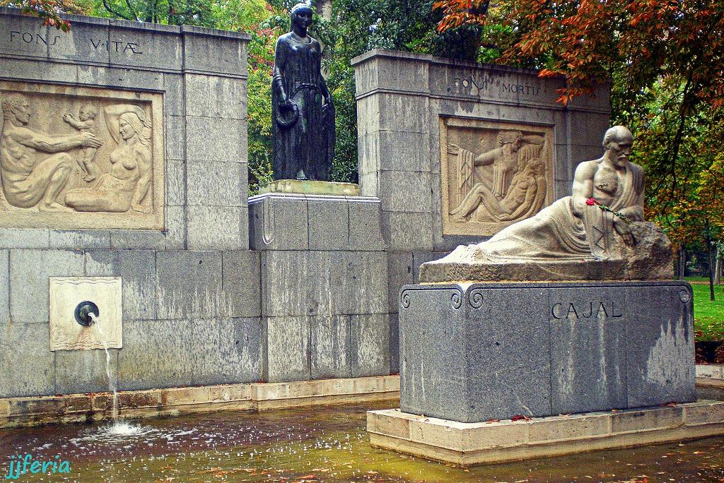 Monumento al investigador Santiago Ramón y Cajal