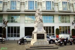 Monumento a Calderón de la Barca