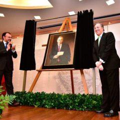Meade pagó 600 mil pesos de dinero público por retrato de él mismo