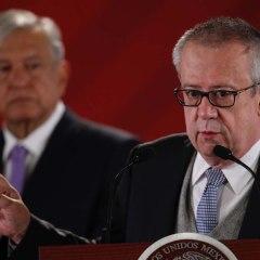 Por diferencias con la 4T, Carlos Urzúa renuncia como titular de Hacienda