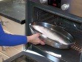 Ponemos la lubina en el horno