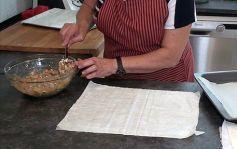 Saquitos de pasta filo con gambas y verduras41
