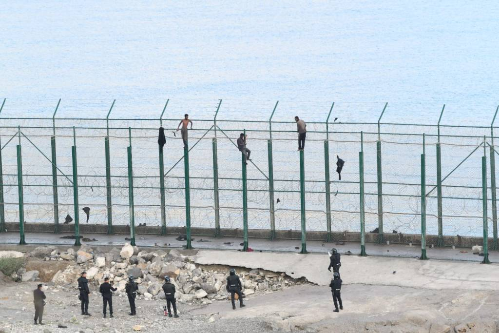 ceuta valla salto migrantes guardia civil