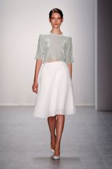 Hien Le Spring 2015 © Mercedes-Benz Fashion
