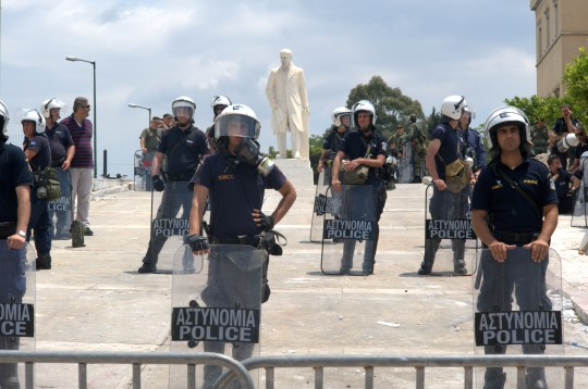 20110630_Riot_Police_guarding_Greek_parliament_during_demonstrations_Athens_Greece