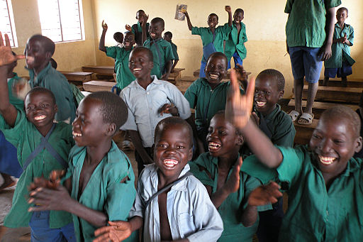 512px-Flickr_-_usaid.africa_-_Education_programs_bring_primary_education_to_vulnerable_and_conflict-affected_children_in_Uganda