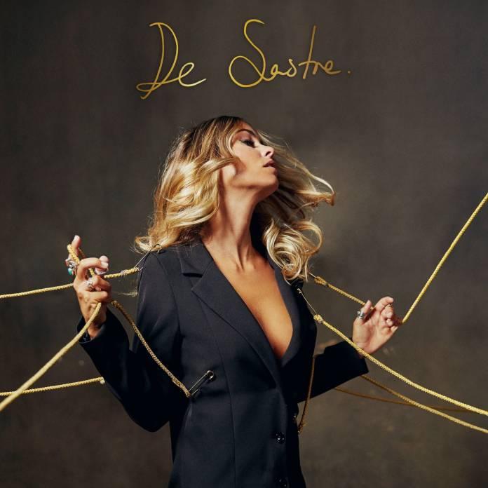 Sofía Ellar presenta su nuevo tema «De Sastre»