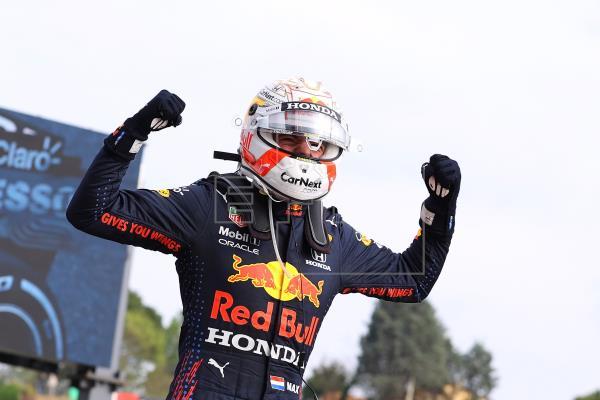 Max Verstappen, señor de Imola