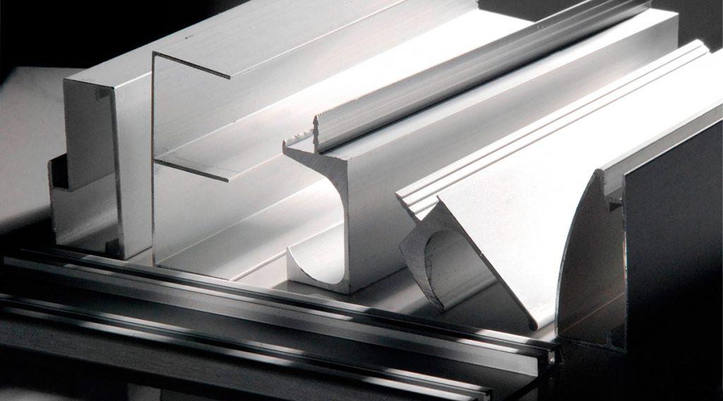 Aluminio o PVC ¿Cuál es mejor? Todo lo que necesitas saber del tema.