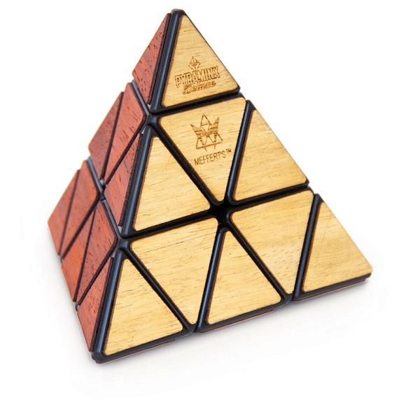 Pyraminx deluxe