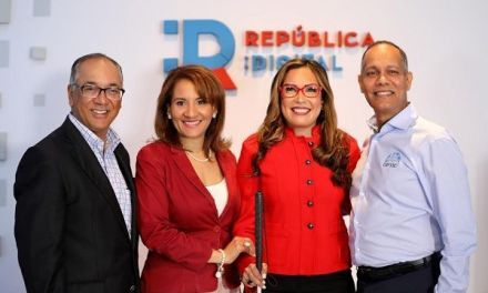 Director OPTIC invita ciudadanos a stand República Digital en Feria del Libro